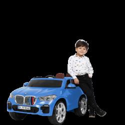 BMW-X5-M_12V-Premium_blue_Lifestyle